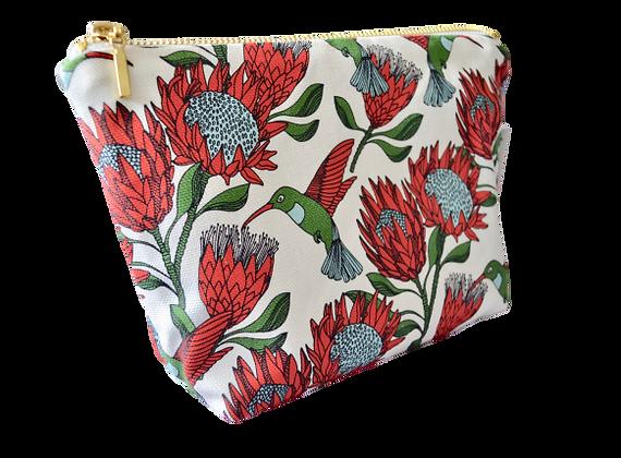aLove Supreme makeup pouch: protea (Cream)