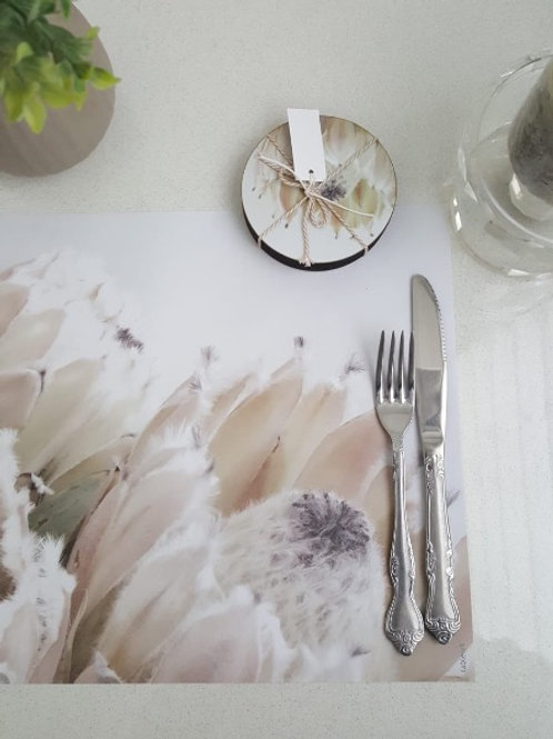 Tableart Disposable Placemats - Queen protea