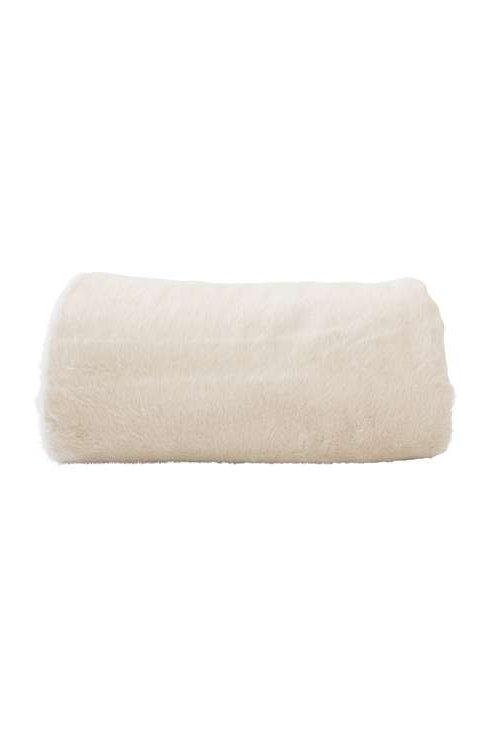 faux-fur throws  Fur in Natural