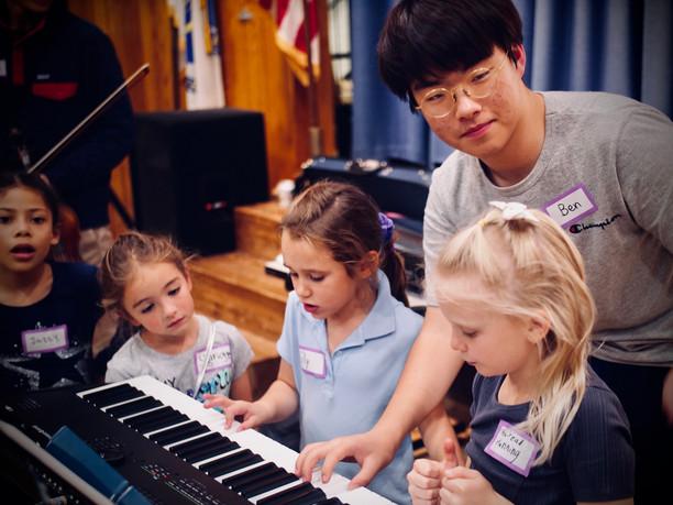 Ben leading a piano exploration