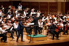 In concert 2