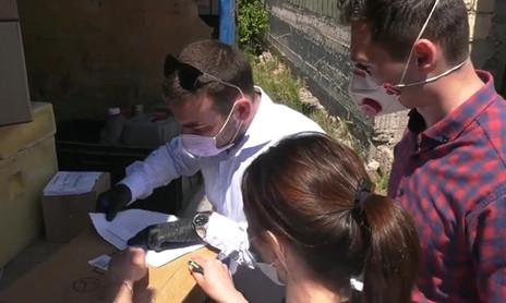 Заур Аскендеров передал тонометры и средства индивидуальной защиты медучреждениям Дербента