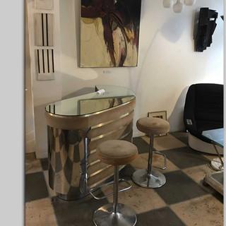 Italian bar + two matching stools
