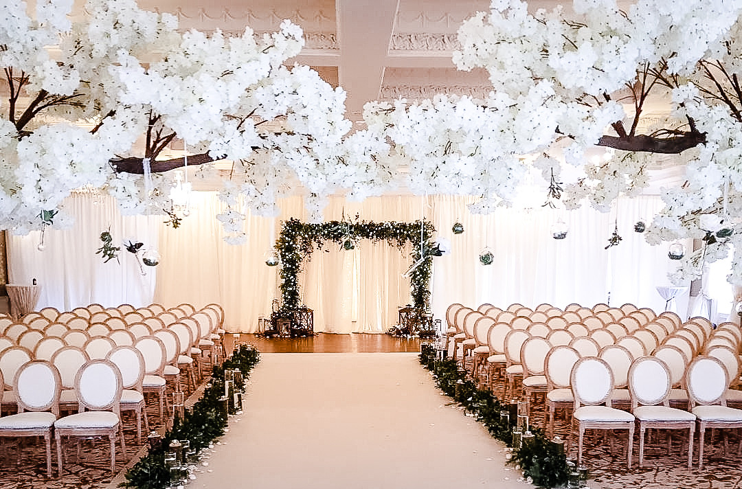 Louis Chairs / Blossom trees / Aisle runner