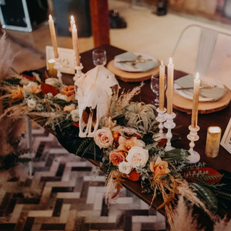 Boho wedding decor | Sweetheart Table Decor