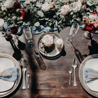 MOODY BLACK SAND BEACH WEDDING TABLE DECOR