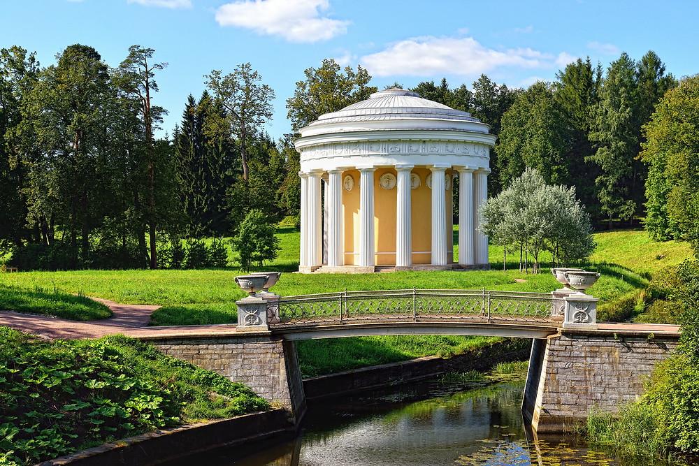 Государственный музей-заповедник Павловск, Храм Дружбы, Чугунный мост