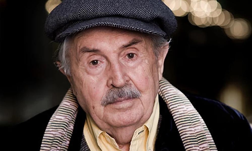 Тонино Гуэрра - итальянский поэт, писатель, сценарист и кинорежиссёр.