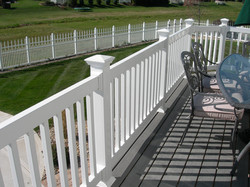 Traditions Series 100 Vinyl Railing