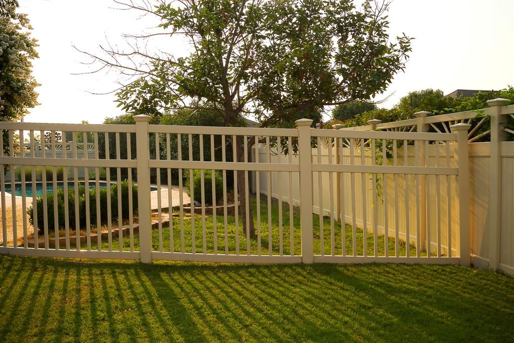 Fairfield Semi-Privacy Vinyl Fence