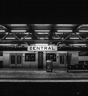À la station
