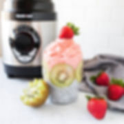 Smoothie healthy strawberry dynablend blender kiwi