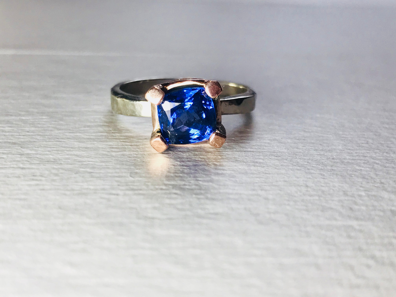 Sapphire set in Rose Gold and White Gold