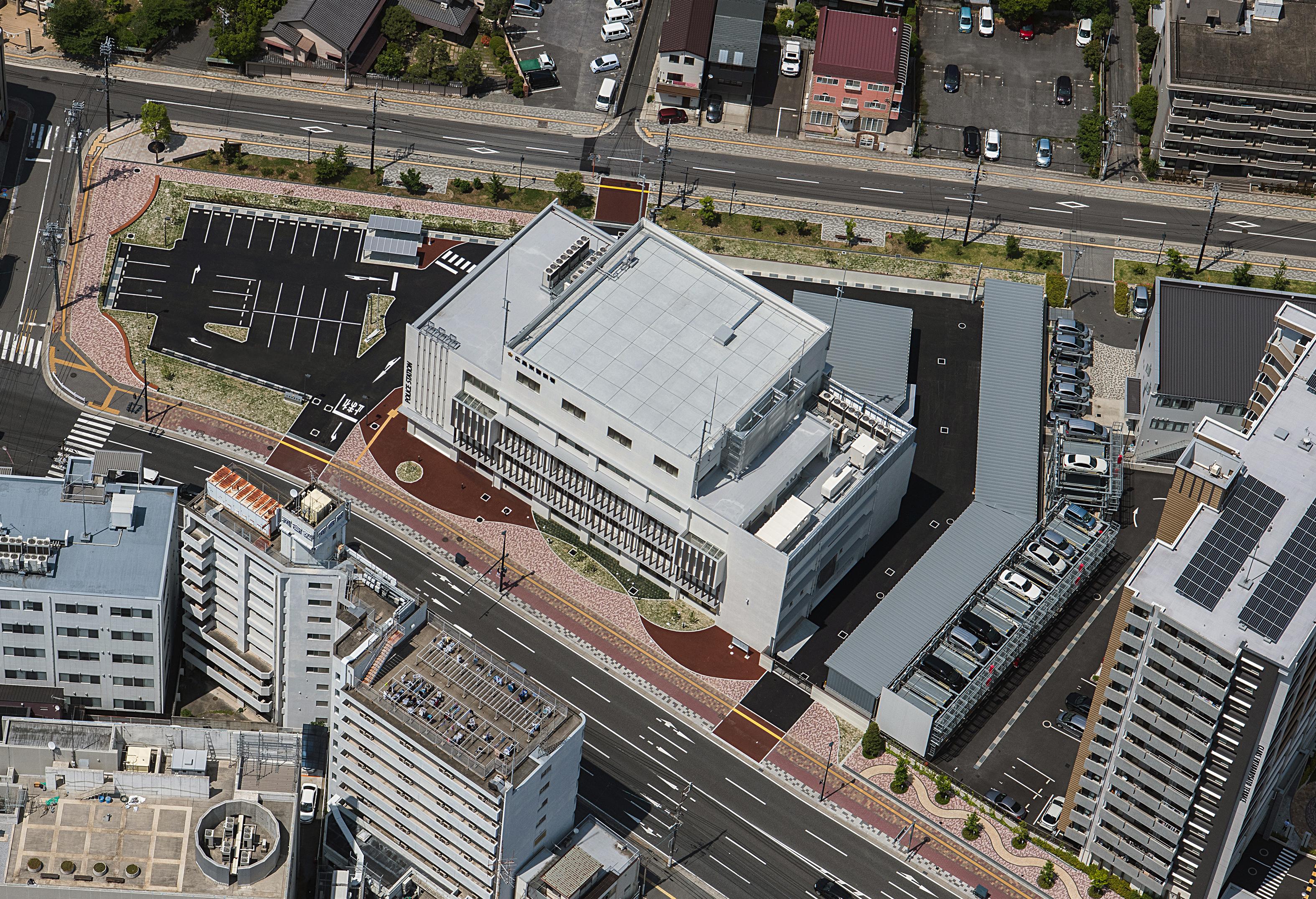 02 広島東警察署庁舎 航空写真(南東面)