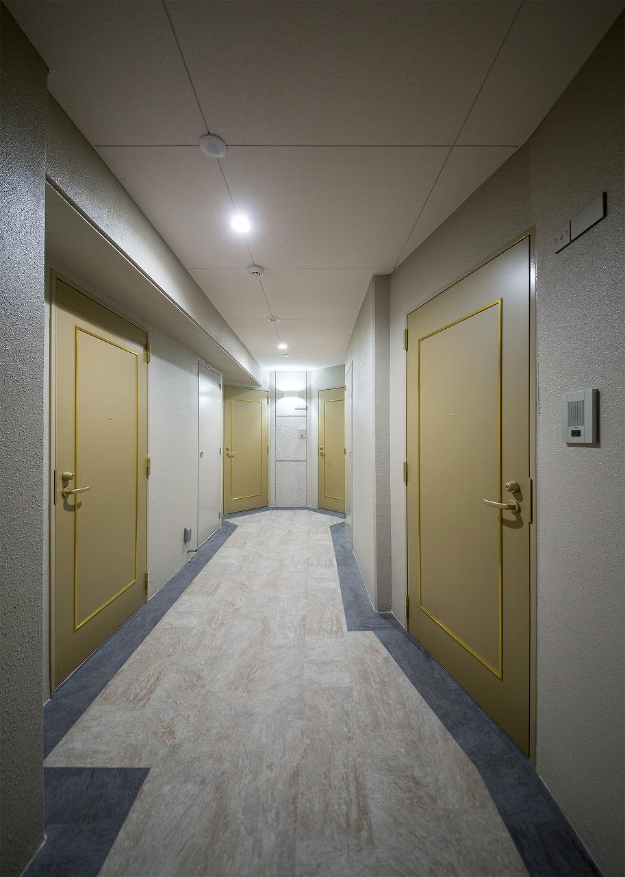 フルリール観音町7階 共用廊下