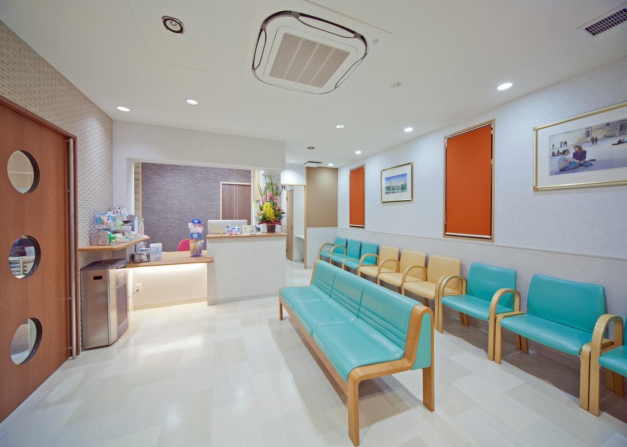 おりづる歯科医院 1階 待合室
