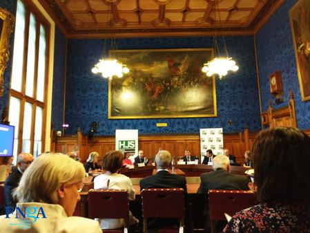 ++La FNGA asistió a un encuentro en el Parlamento británico donde se discutió la detención de los ir