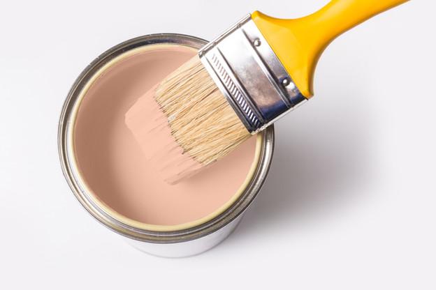 Краска может и кисть