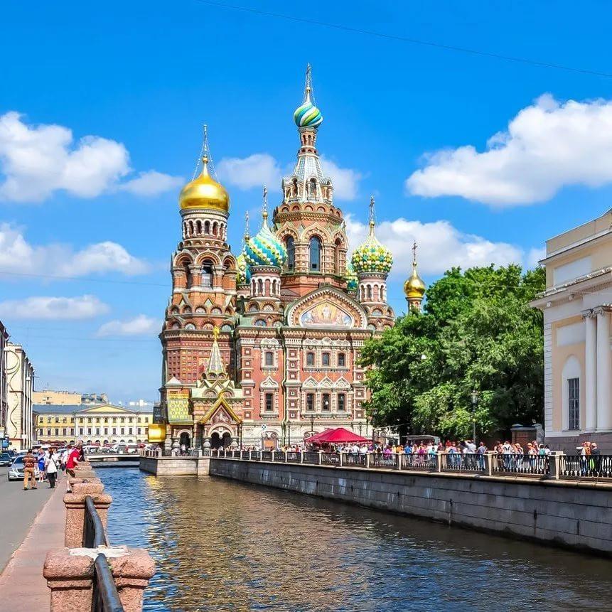 كاتدرائية الدم المراق في مدينة سانت بطرسبورغ