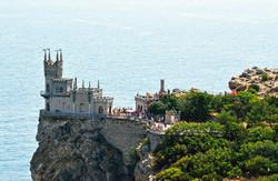 قلعة عش السنونو