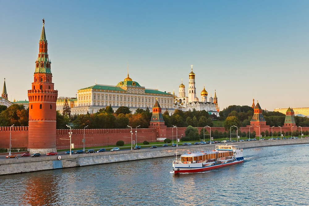 جولة القارب المائي في موسكو