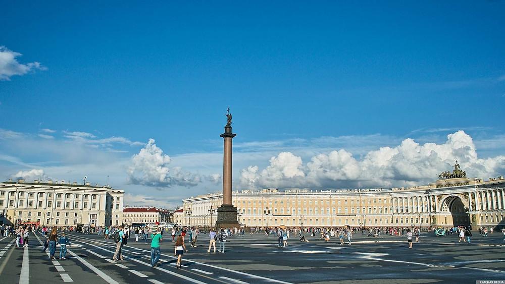 حديقة القصر في مدينة سانت بطرسبورغ