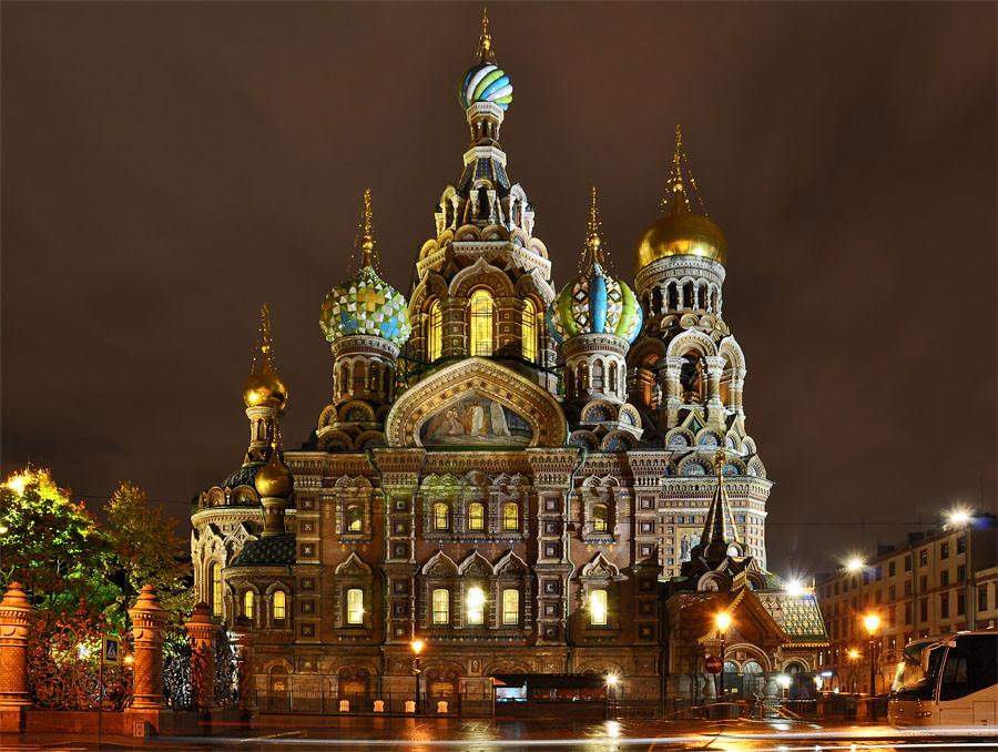 كنيسة الدم المراق في سانت بطرسبورف