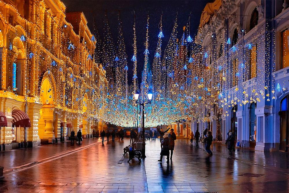 شارع نيكولسكايا في مدينة موسكو الروسية