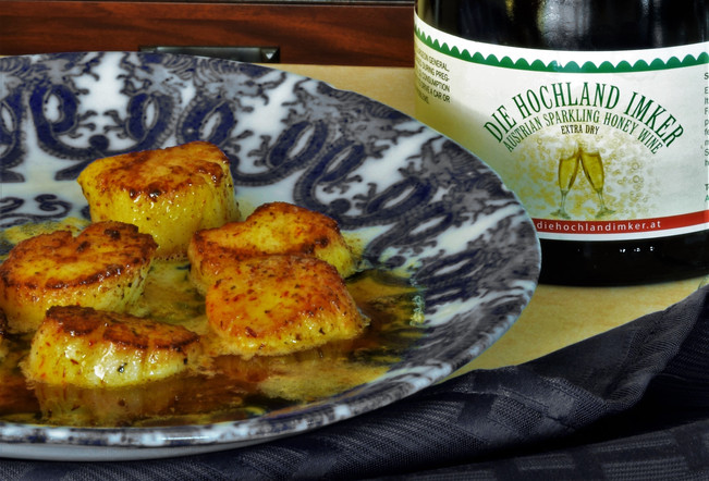 Seared Scallops and Sparkling Mead