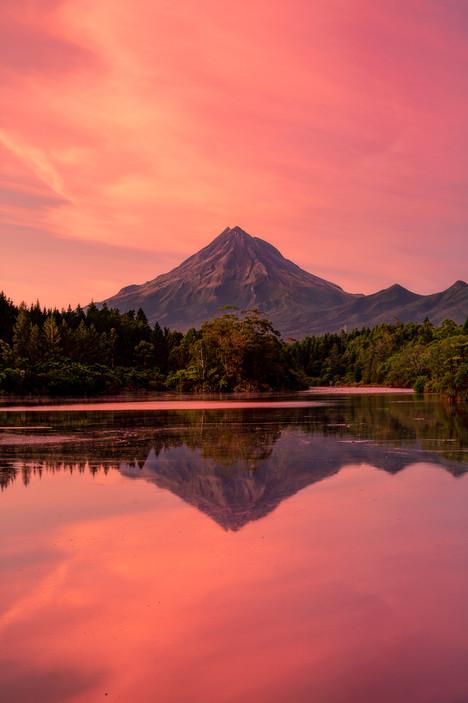 Lake Mangamahoe Sunrise