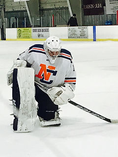 Liam Conway Makes Ncaa Debut Conway Goaltending School United
