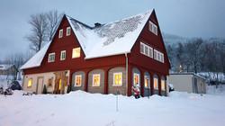 Umgebindehaus im Winter T2