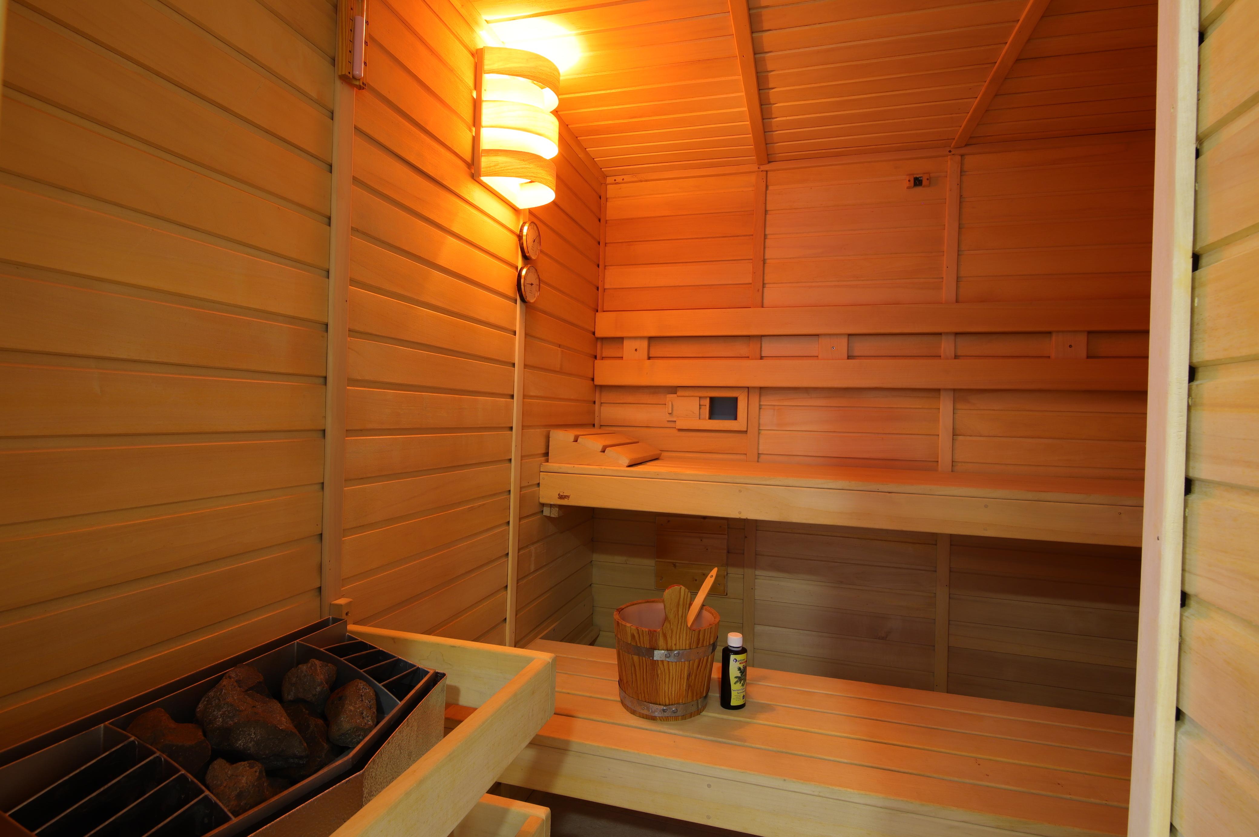 Sauna (für beide Wohneinheiten)