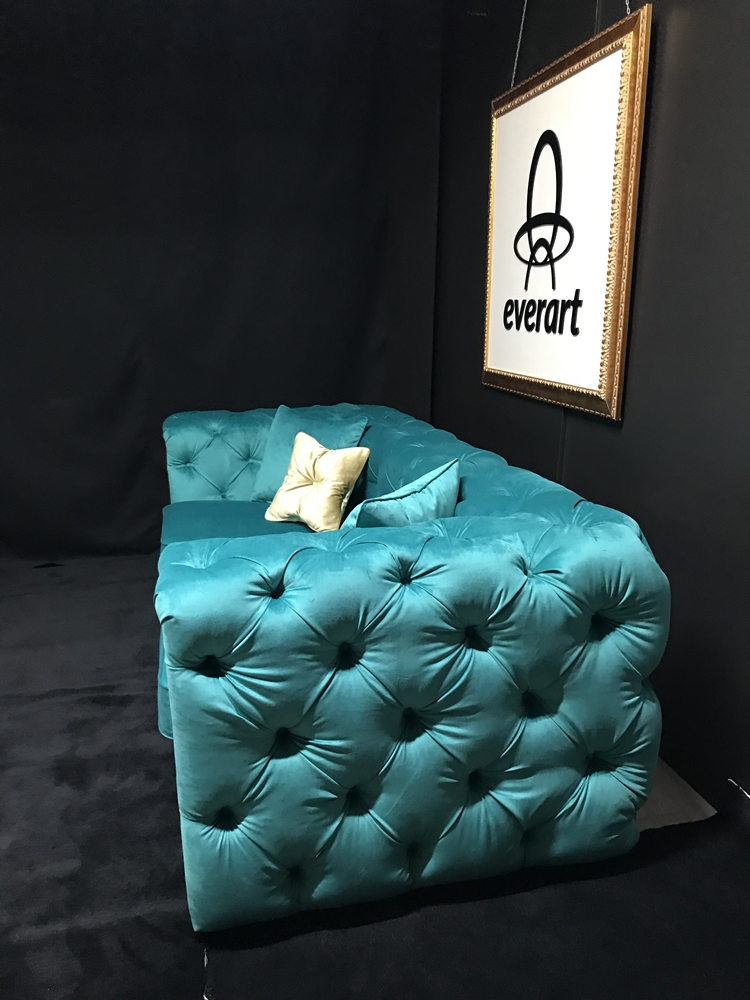 Cnapea Chesterfield linii drepte lateral