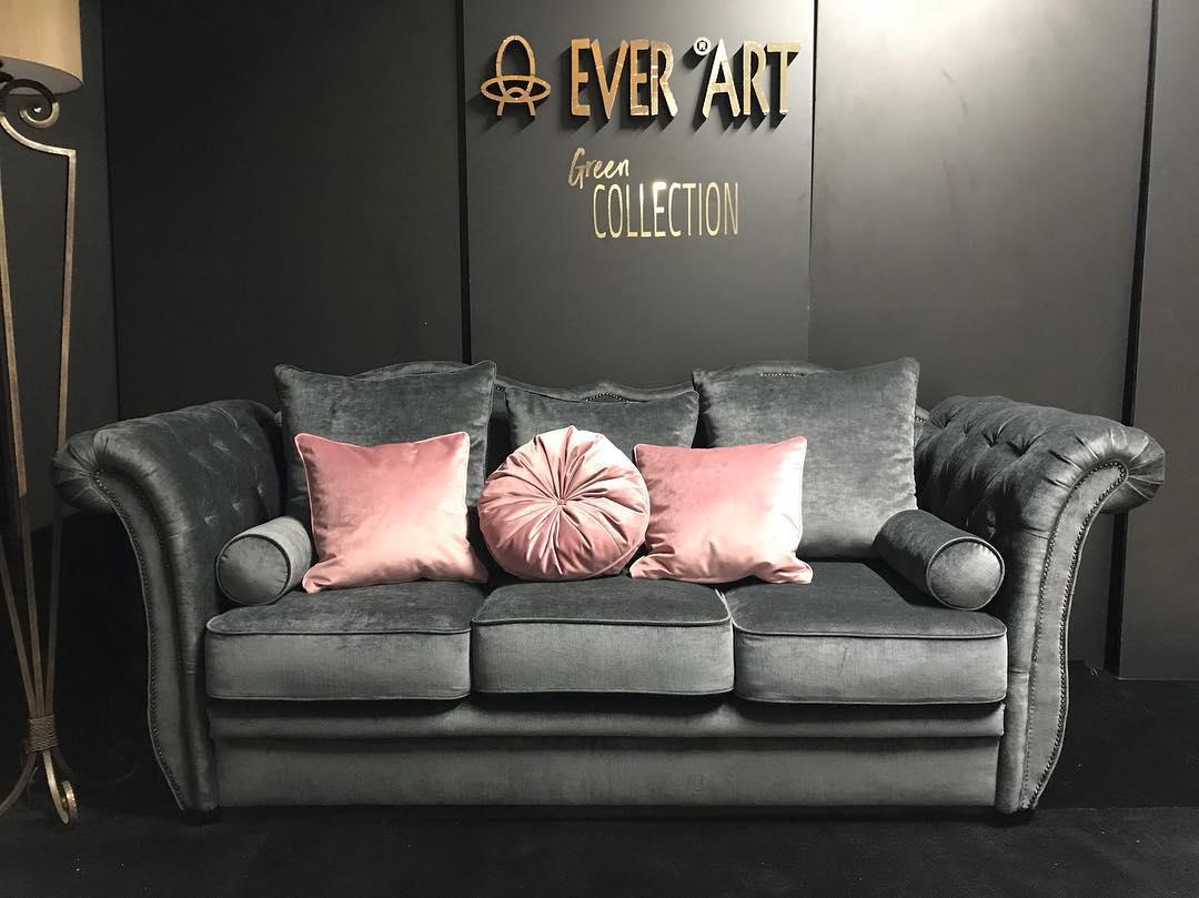 Canapea Cleo gri cu tinte ornamentale
