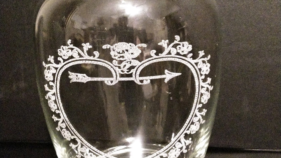 7 inch tall glass vase