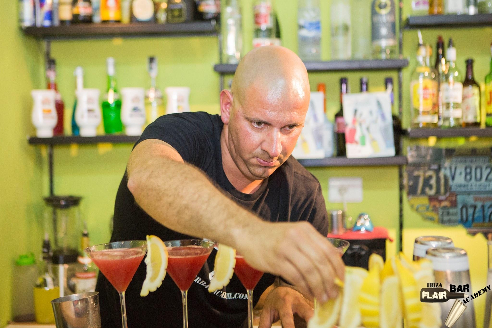 ibiza flair bar academy - curso de cocteleria en Ibiza centro