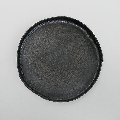 Black stoneware plate - medium (16cm x 3cm)