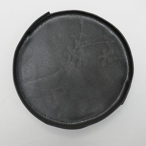 Black stoneware plate - large (19.5cm x 3cm)