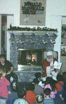 Santa reading 3.jpg