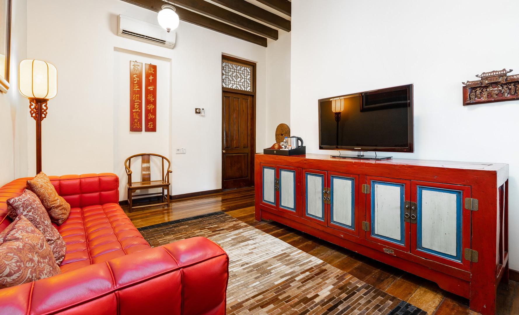Transfer Suite - Living Area
