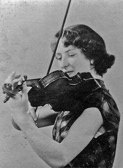 Volante Strings founder, Angela Richey