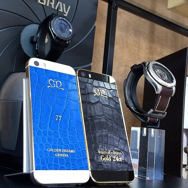 iPhone 5S Gold Electric Blue