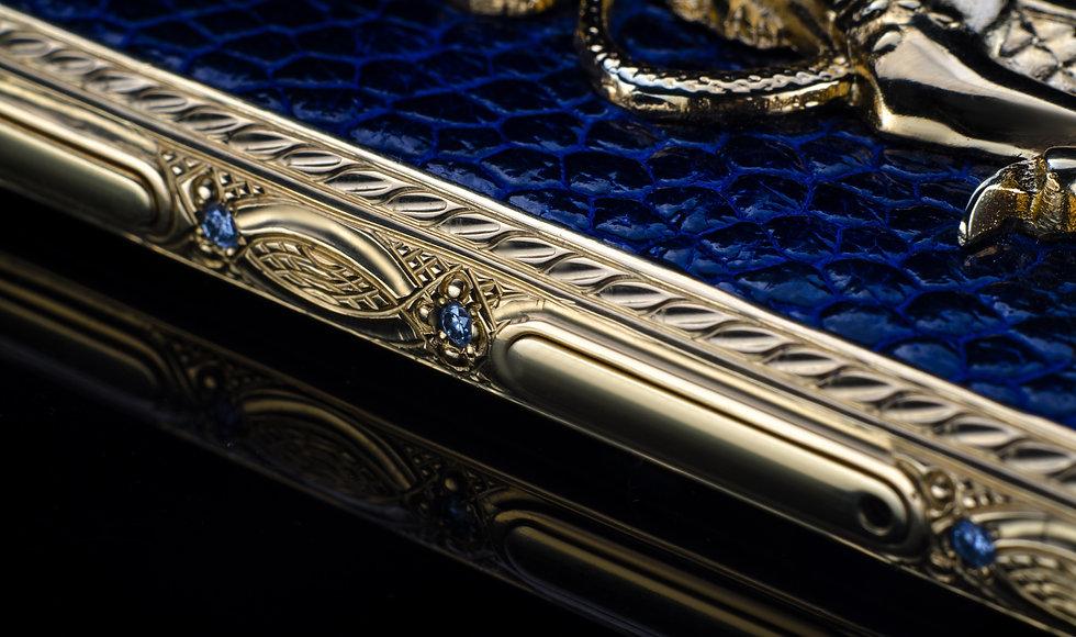 iPhone 8 gold sapphire