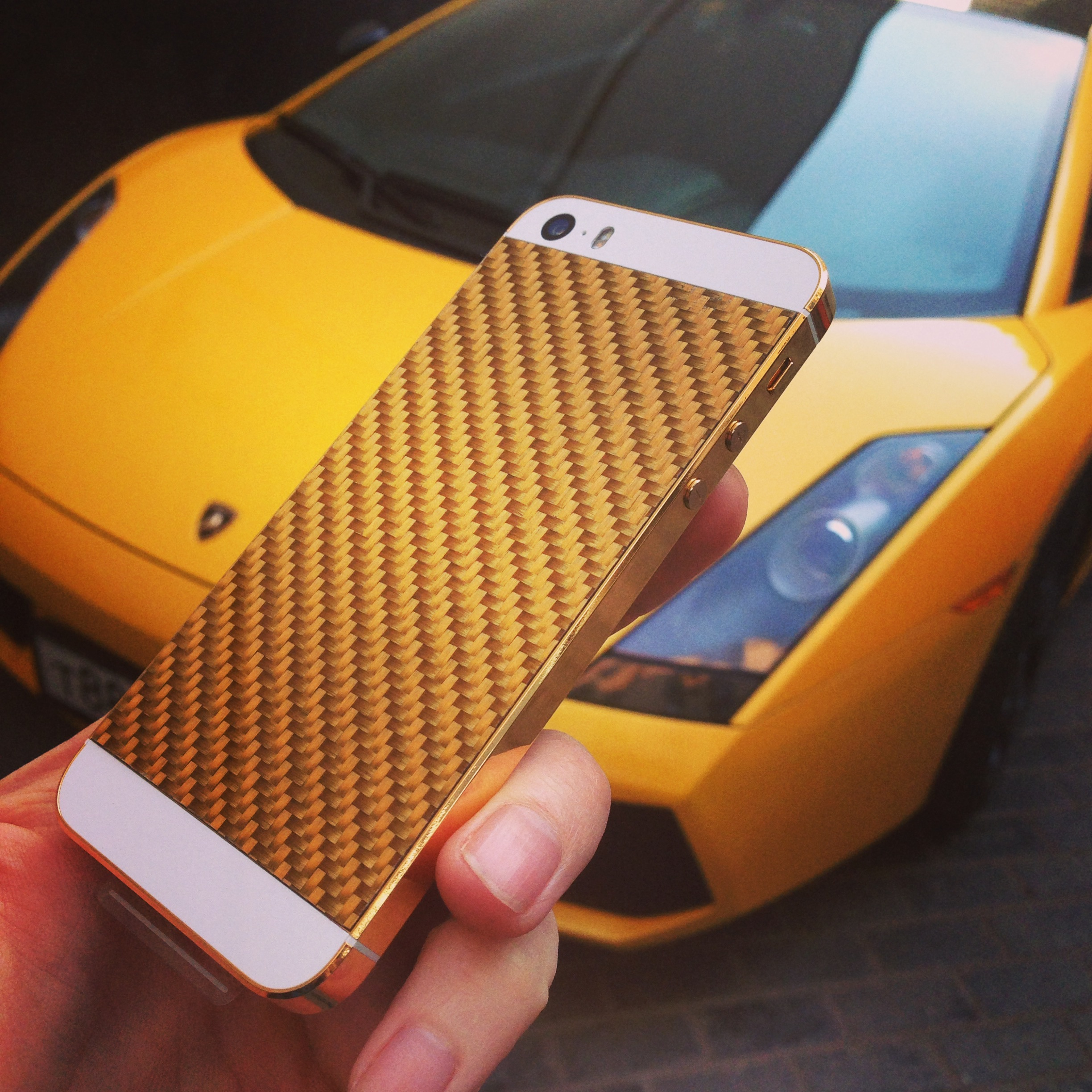 iPhone 5S Gold Carbon