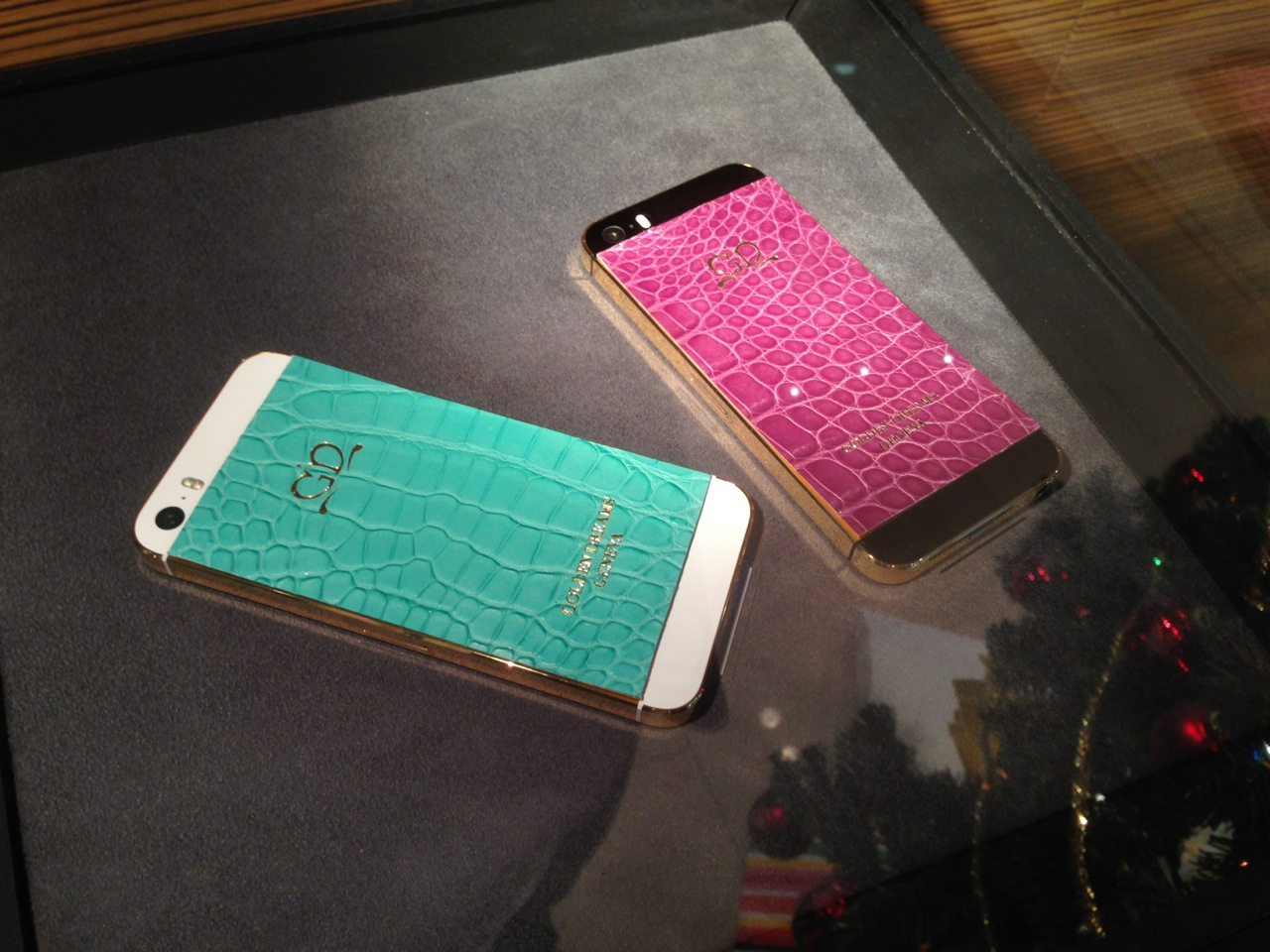 iPhone 5S Gold Pink Turquoise