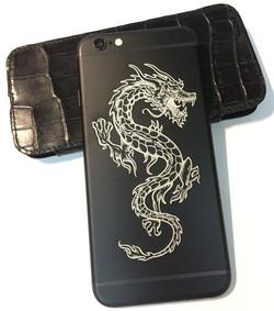 iPhone_6S_black_Dragon_engraved.JPG