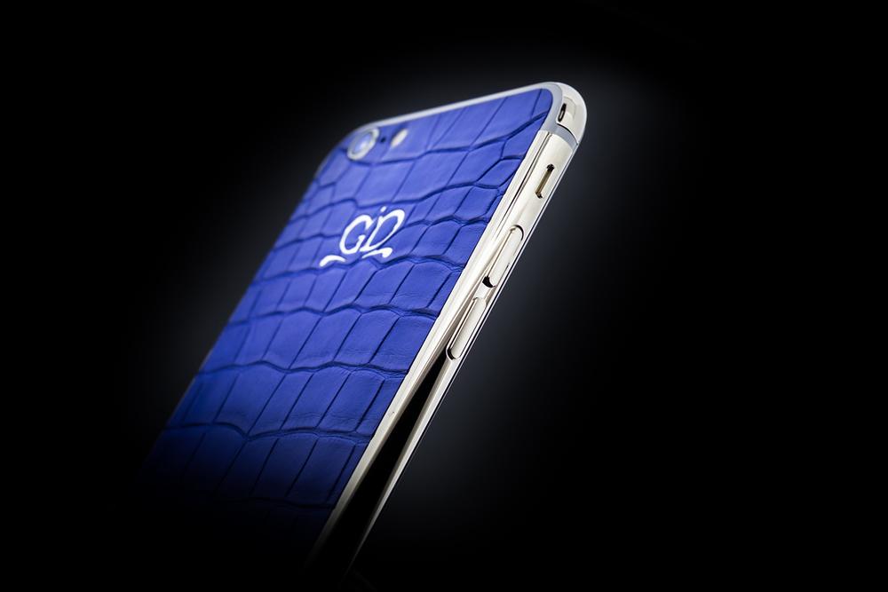golden-dreams-geneva-full-blue-05.jpg