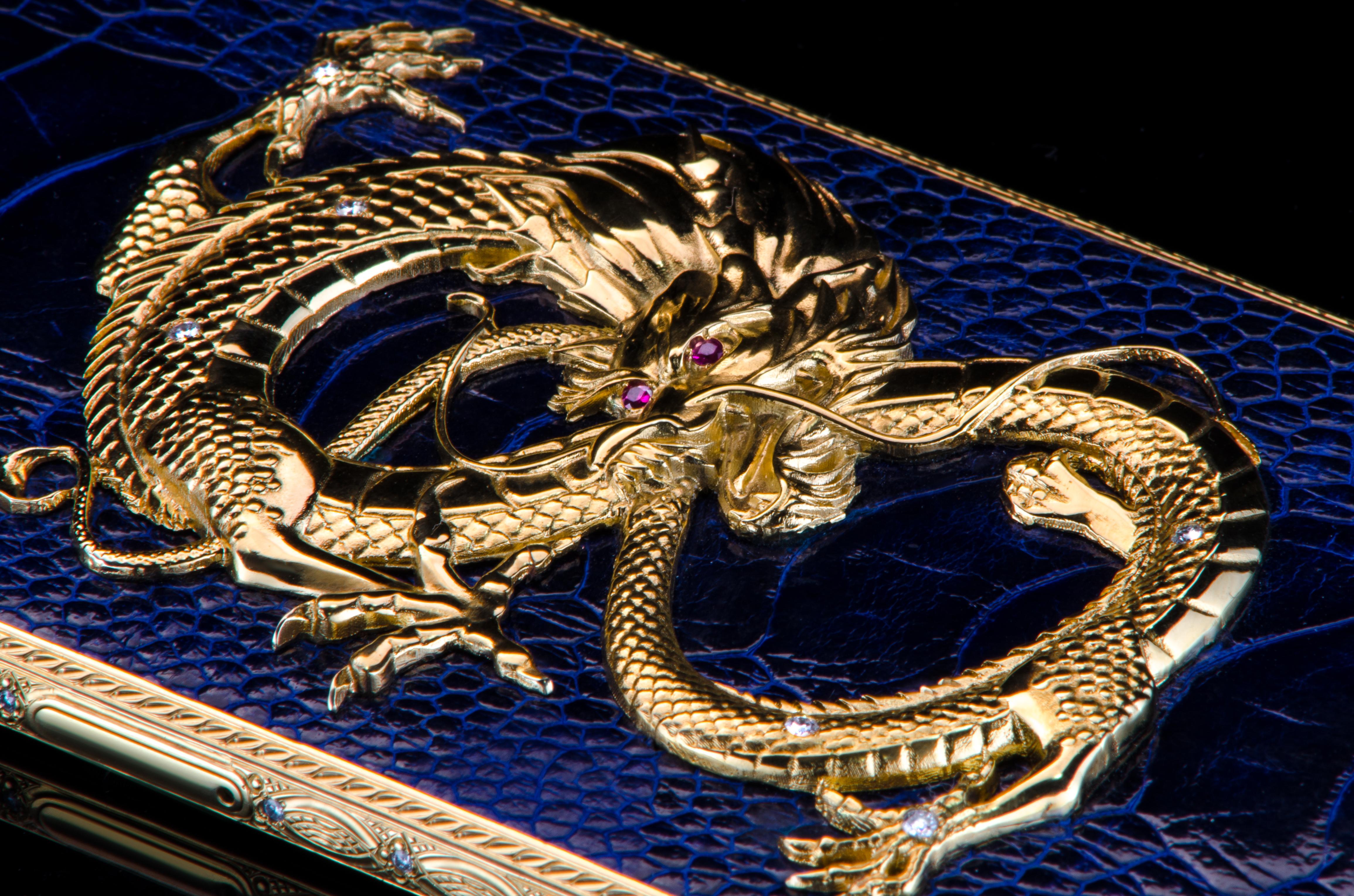 iPhone X Dragon-detail-2.jpg