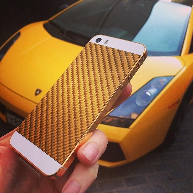 #lamborghini #iphone5s #goldcarbon #24k #goldemdreams #geneva #baselworld2014 #basel #moscow